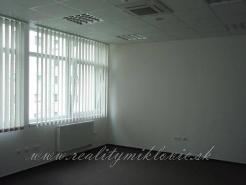 Kancelársky priestor - Považská Bystrica, 56 m2.